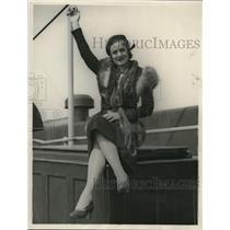 1932 Press Photo Billie Van Every Play Production Raided By Police - nex24986