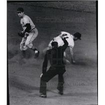 1951 Press Photo Eddie Mathews forced at second base by Henry Aaron - mjs00906