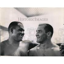 1962 Press Photo Willie Davis and Jim Taylor have reason to celebrate.