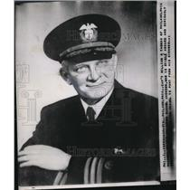 1952 Press Photo Captain William R Thomas skipper of Rachel Jackson