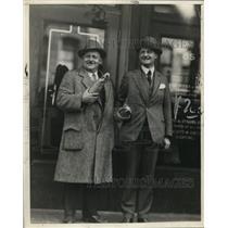 1927 Press Photo Canadian Liquor Buyers in Ontario