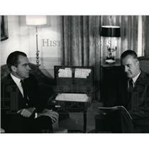 1968 Press Photo Pres Richard Nixon and VP Agnew in discussion