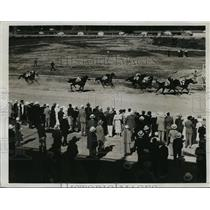 1933 Press Photo Washington track Simmon on Coalizer wins Governor's Handicap