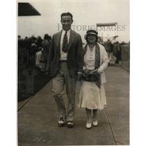 1931 Press Photo Boxer Jimmy Maloney & wife in Miami Beach Fla for Primo Carnera