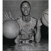 1957 Press Photo Harlem Globetrotters member Herman Taylor