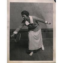 1921 Press Photo Marion Zinderstein at indoor tennis matches