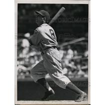 1939 Press Photo Arthur Parks outfielder of Montreal club in game vs Cubs