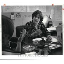 1980 Press Photo Mrs. Carol Grassi, Secretary - Case Worker talks to constituent