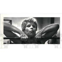 1981 Press Photo Linda Fross pumps iron at the Painsville Y. - cva14054