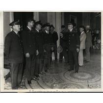 1932 Press Photo Captain T Gnash of Washington DC Police Bonus Passes Test