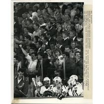 1959 Press Photo Chicago Blackhawk fanes celebrate at game vs Red Wings
