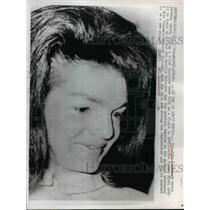 1966 Press Photo Mrs John F Kennedy arrives in Madrid Spain - nee89763