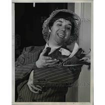 1946 Press Photo Impersonator Arthur Blake,impersonating Katherine Hepburn