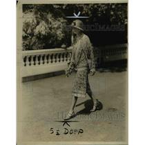 1928 Press Photo Mrs. Harriman Attends Fair And Tea On A State - nee91286