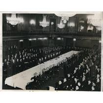 1932 Press Photo Union Leaders & Railway President's Meet in Palmer House Chicag