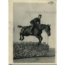 1923 Press Photo King of Greece Jumping on His Favorite Mount