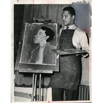 1955 Press Photo Harold Bradley Brown's guard & an artist at an easel