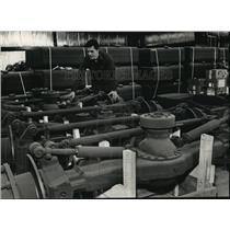 1989 Press Photo Robert Milich, owner of Advnace Coatings, West Bend - mja01611