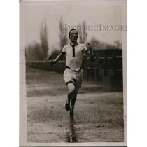 1921 Press Photo WR Hilligan in a track race in rain storm - net00821