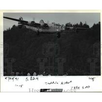 1991 Press Photo Only flying B-24 Liberator lands at Portland-Troutdale Airport