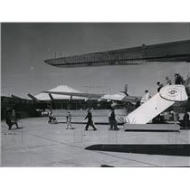 1965 Press Photo Passengers unloading at Spokane International Airport.