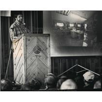 1993 Press Photo Celebrity carpenter Norm Abram at State Fair Park - mja00840