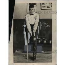 "1923 Press Photo Champion one-legged bowler Lewis ""Lukey"" Jardine, Senaca Falls"