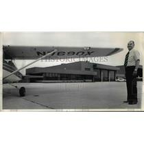 1976 Press Photo Laddie manager of Cuyahoga County Airport - nee92202