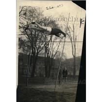 1922 Press Photo EL Johnson pole vaulter at Army track & field practice