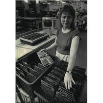 1986 Press Photo Marcia Espinoza,an employee at the Automation Products Division