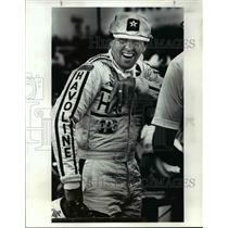 1984 Press Photo Tom Sneva Jokes Around while Waiting for Practice to Begin