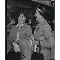 1965 Press Photo Mrs. Jerrie Mock with Mrs. Howard Porterfield - spa11830