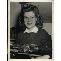 1944 Press Photo Nelda Bong Steamship Line employee sister of Ace Maj. Bong