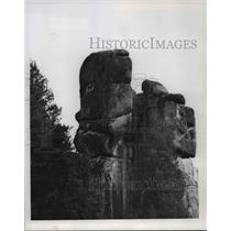 1978 Press Photo Rock formation above Lolo Hot Springs resembles comic strip