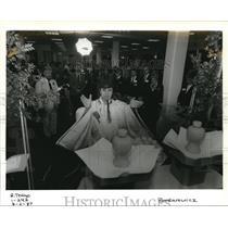 1987 Press Photo Delta Airline Shinto Priest Nobuharu Uzunoe Portland Tokyo