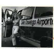 1979 Press Photo Lisa perry Lake Oswego airport shuttle - ora66678