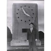 1956 Press Photo Aviator Roy Shreck. - spa17904