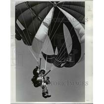 1975 Press Photo Skydivers jump for accuracy and style, individually or group