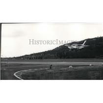 1972 Press Photo Small plane landing at Felt's Field Airport - spa21868
