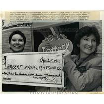 1989 Press Photo Barbara and Linda Lambert with check for their lottery share