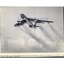 Press Photo B-47 in flight - spa22650