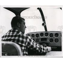 1963 Press Photo John Patterson Geiger Field Control Tower - spa21638