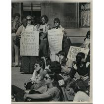 1976 Press Photo Signs stated views at the pro-abortion rally - mja03506