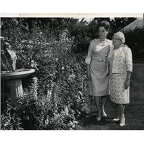 1966 Press Photo Mrs. Albert Sartori, Mrs. Donald Harrison, Sun Valley, Idaho