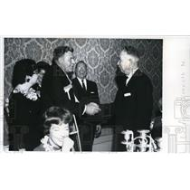 1964 Press Photo Kenneth Ledgering is congratulated by Donald Nyrop in Spokane.