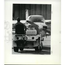 1982 Press Photo Airport Felts Field Maintenance - spa22202
