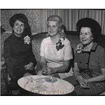 1969 Press Photo Mrs Ralph S Phelps Jr, Mrs Dick Steen, Mrs Winston H R Schleef