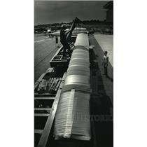 1987 Press Photo The main part of the plane traveled on a 126-foot flatbed truck