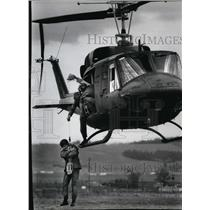1983 Press Photo Helicopter in survival School - spa22335