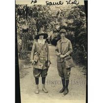1922 Press Photo Echilta Lowry of NYC & Macellia Can Weter Lexington